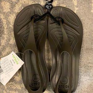 NWT super cute brown croc sandals 7